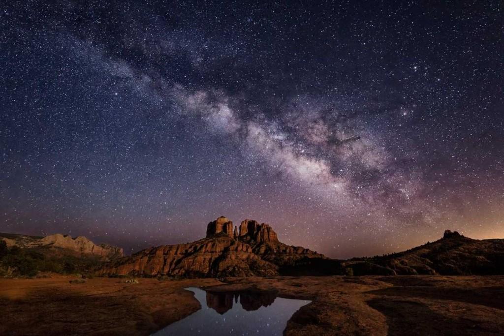 Moonlight and Milky way above Sedona