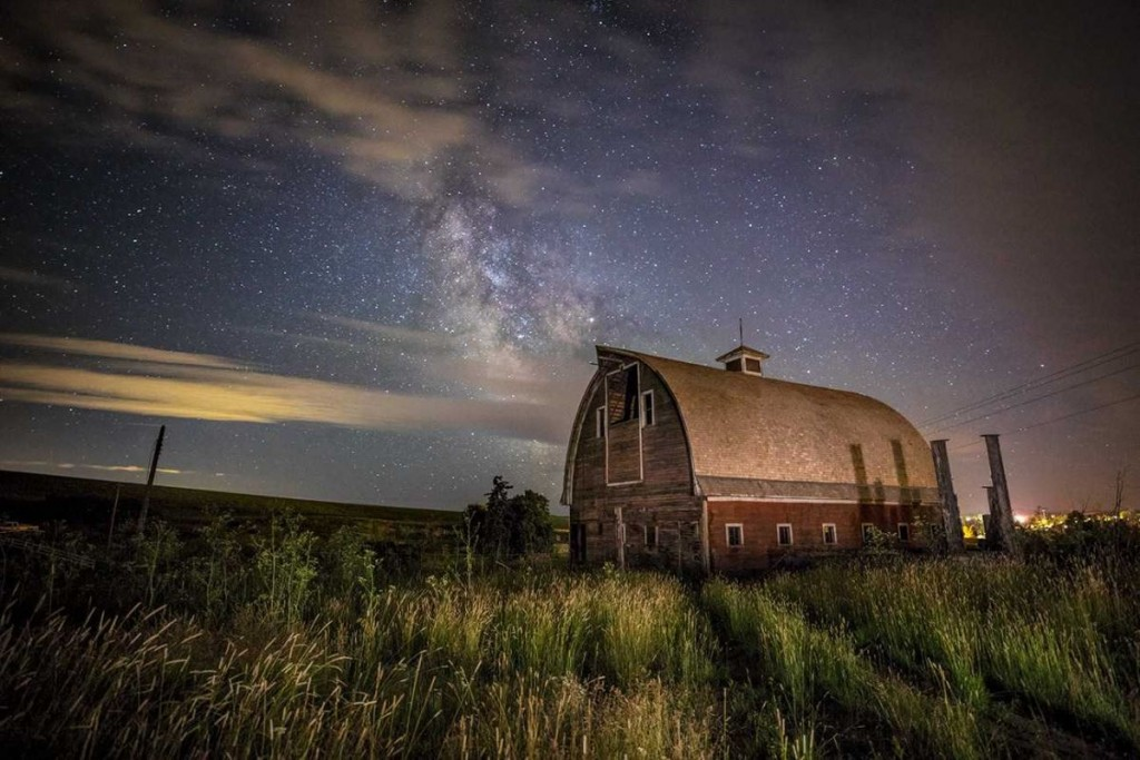 Lightpainting an old barn and tall grass in the Palouse